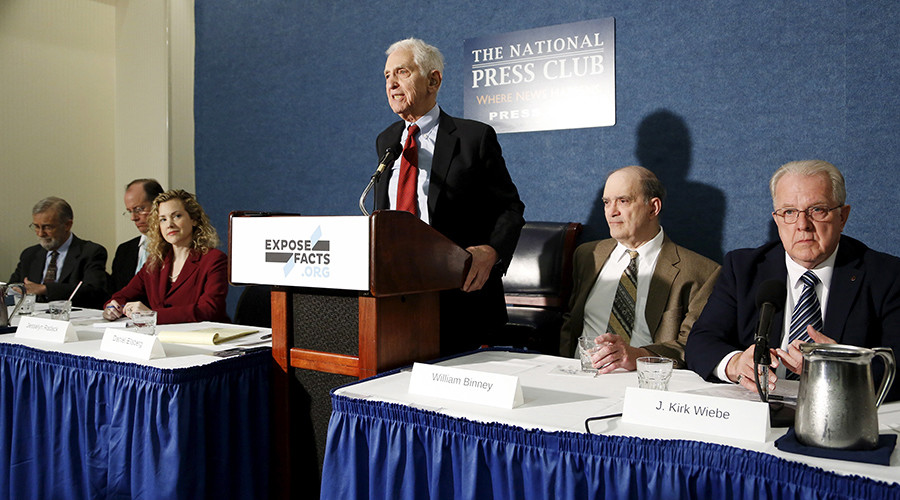 The whistleblower group ExposeFacts.org at the National Press Club in Washington April 27, 2015 © Jonathan Ernst