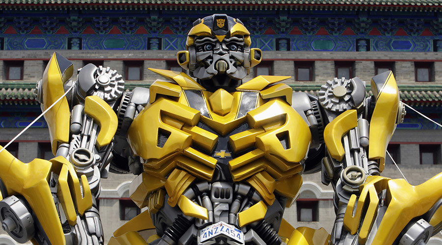 Best Dad ever? Chinese father builds a life-size Transformer for his son