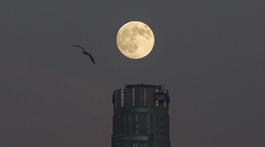 Sturgeon Moon 2015 rises: Stunning supermoon lights up Saturday night sky (PHOTOS)