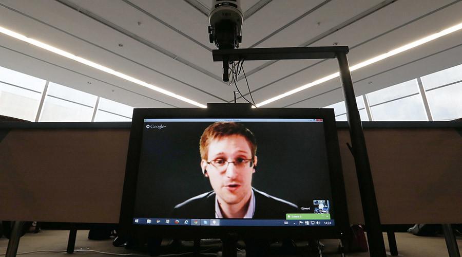 Accused government whistleblower Edward Snowden © Vincent Kessler