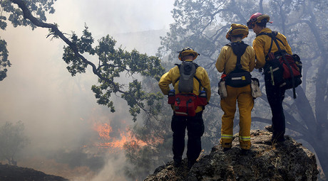 100-acre wildfire prompts evacuation at California mountain resorts