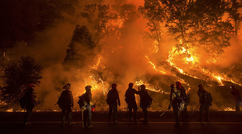 California burning: One dead, 1,000s evacuated as wildfires scorch 400 homes (PHOTOS)