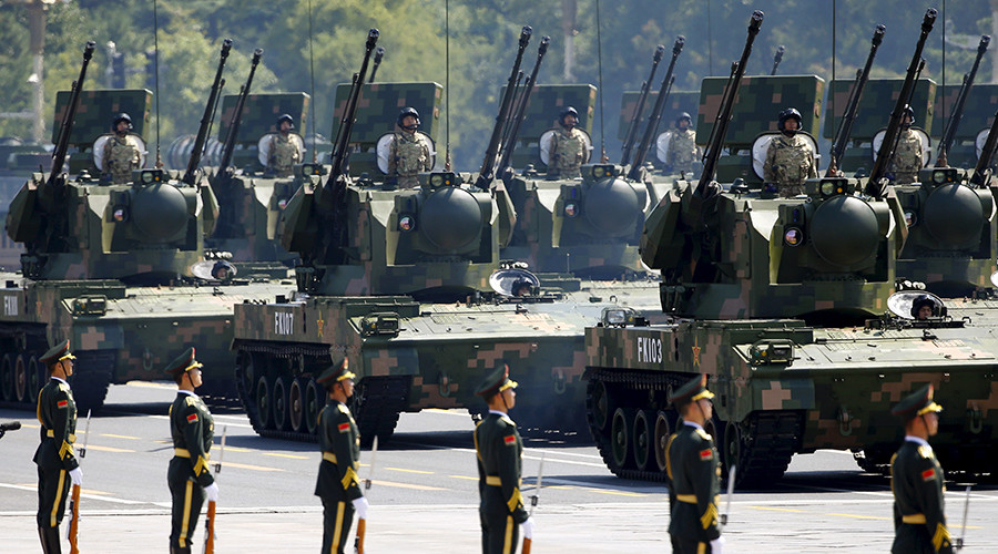 Anti-aircraft artillery are displayed during the military parade to mark the 70th anniversary of the end of World War Two, in Beijing, China, September 3, 2015 © Damir Sagolj