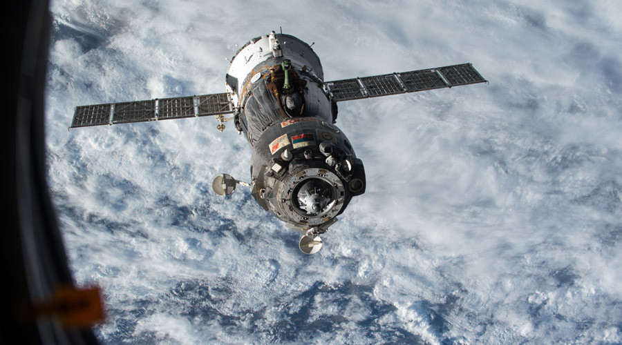 Tight space: Soyuz spaceship forced to dodge old Japanese booster debris