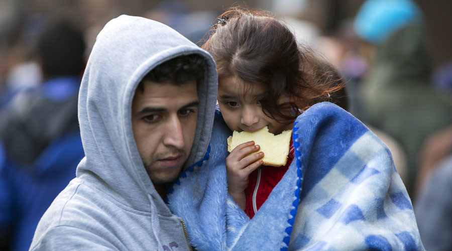 Refugee crisis: People power forces Cameron to accept 4,000 asylum seekers
