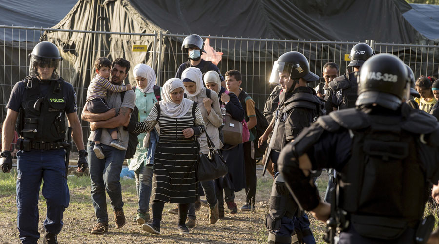 'Lucrative' business of people smuggling thriving amid Europe's refugee crisis – report