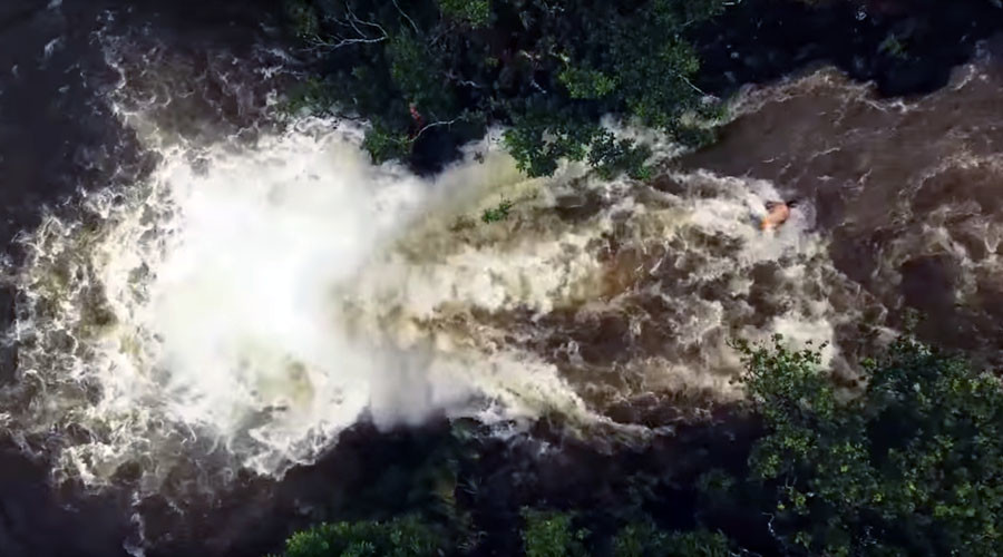 Drone records hikers in Hawaii caught in near-deadly flash flood