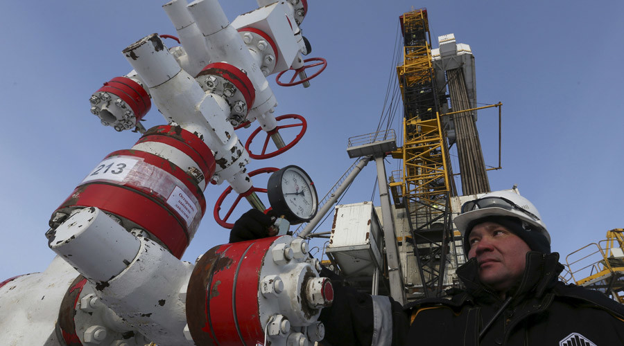 Russian oil producers outperform global competitors on weaker ruble