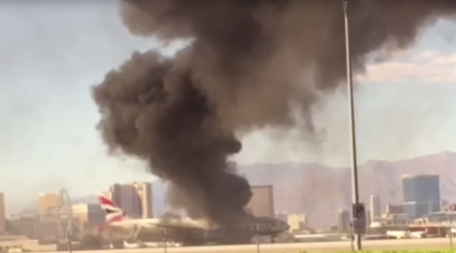 BA Boeing-777 with 172 people aboard catches fire on runway in Las Vegas (VIDEOS)