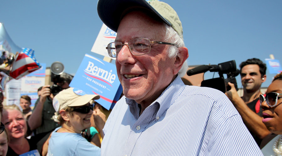 Feel the Bern: Sanders takes lead in Iowa poll as Clinton reels from email scandal