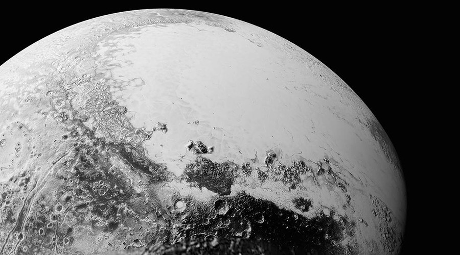 This synthetic perspective view of Pluto, based on the latest high-resolution images to be downlinked from NASA's New Horizons spacecraft © nasa.gov