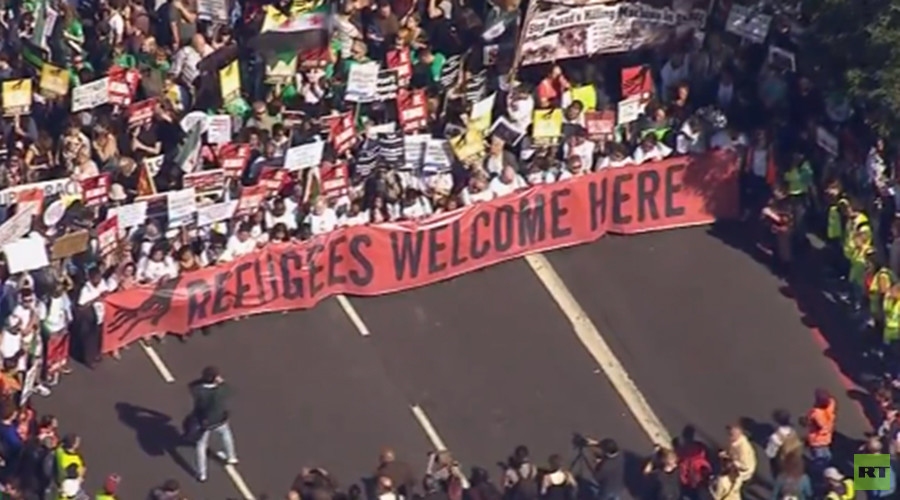 Solidarity With Refugees: Tens of thousands turn up for support march in London (VIDEO)