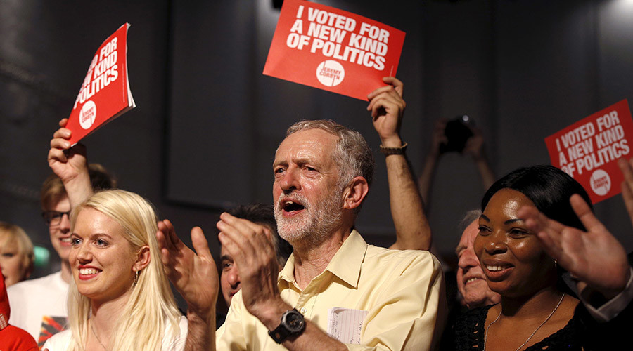 Labour Party leadership candidate Jeremy Corbyn applauds the audience and supporters during a rally in London, Britain September 10, 2015. © Peter Nicholls