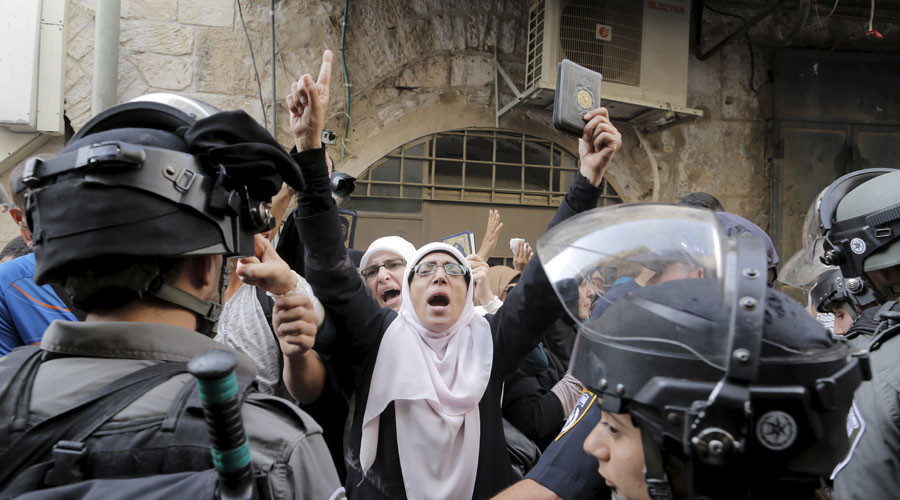 3 arrests amid fresh clashes in East Jerusalem's holy Al-Aqsa mosque compound (VIDEO)