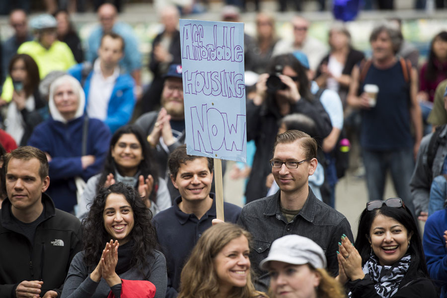 Demonstrators gather protesting against high housing prices for single family homes in downtown Vancouver, British Columbia, May 23, 2015. © Jim Jeong