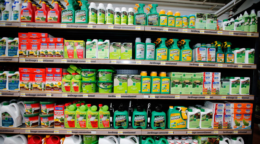 Indoor pesticides 'significantly increase' risk of child cancers – study