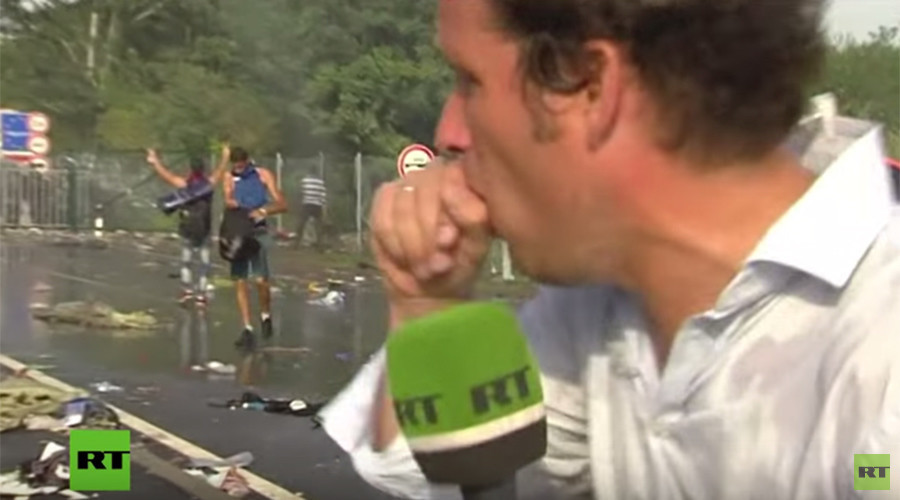 RT correspondent teargassed covering clashes on Hungarian-Serbian border