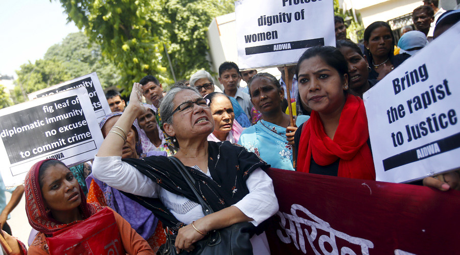 Demonstrators from the All India Democratic Women's Association (AIDWA) shout slogans and hold placards during a protest outside Saudi Arabia's embassy in New Delhi, India, September 10, 2015. © Anindito Mukherjee