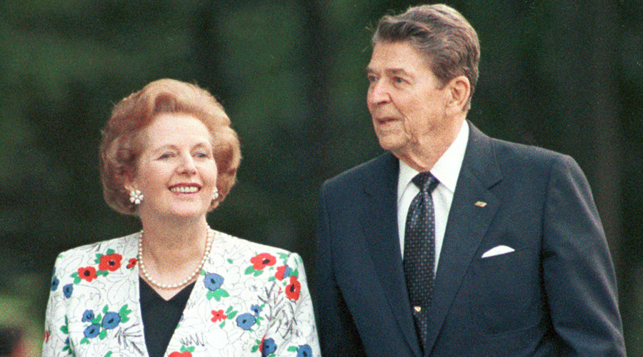 Former U.S. President Ronald Reagan (R) walks with former British Prime Minister Margaret Thatcher (L) during the annual G7 Summit in Toronto in this June, 1988 © Files / Gary Hershorn GMH
