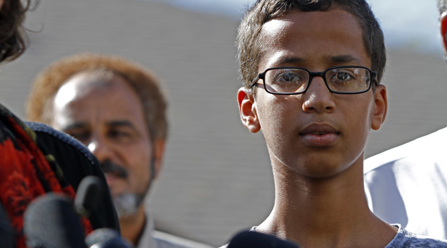 Stop clockblocking: Muslim teen famous for his 'bomb' clock wants it back