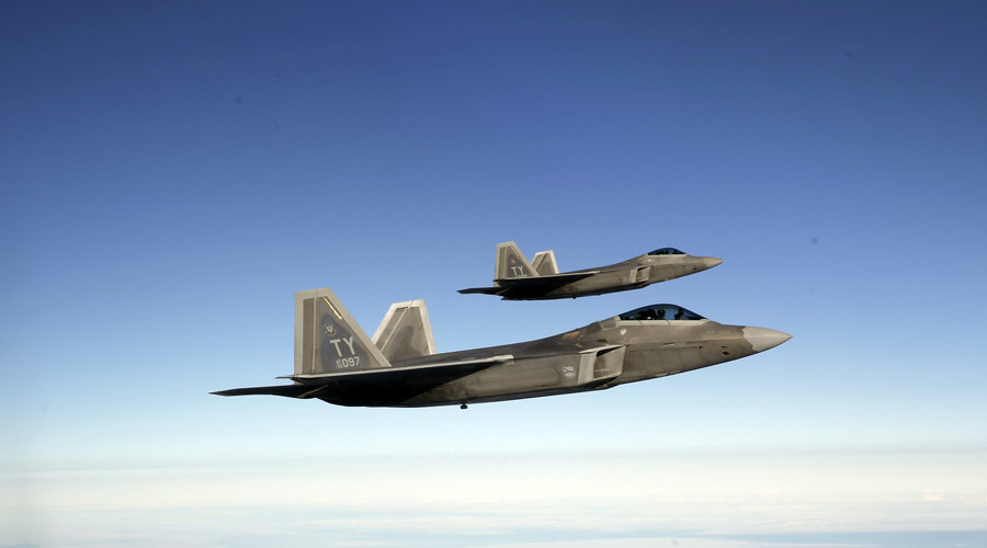 F-22 Raptor fighter jets of the 95th Fighter Squadron © Wolfgang Rattay