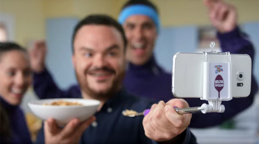 Don't get the wrong end of the stick: New selfie spoon is here