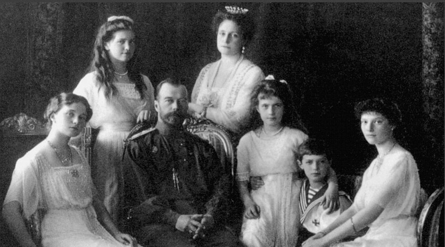 Russian Emperor Nicholas II (second from left) and his family. © Wikipedia