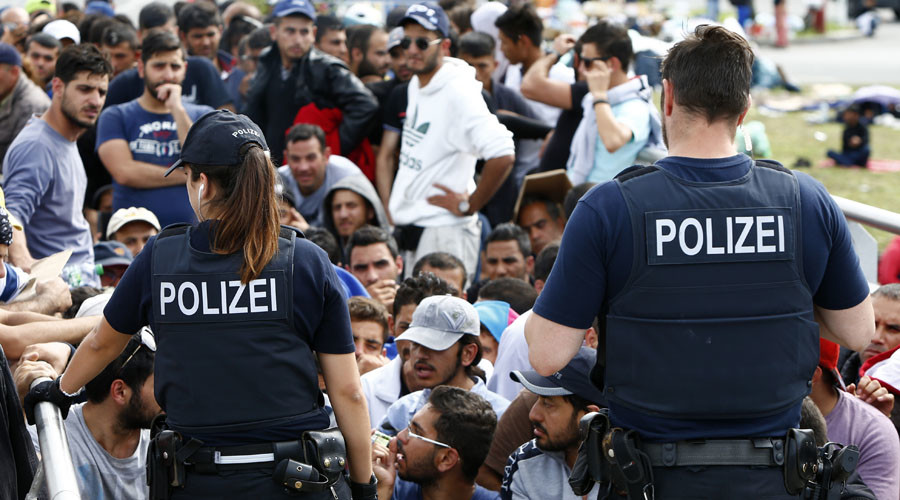 Most Germans approve of border controls amid refugee crisis – poll