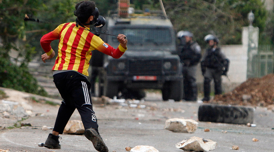Israel officially permits use of live ammo in answer to 'civilian-threat' stone-throwers