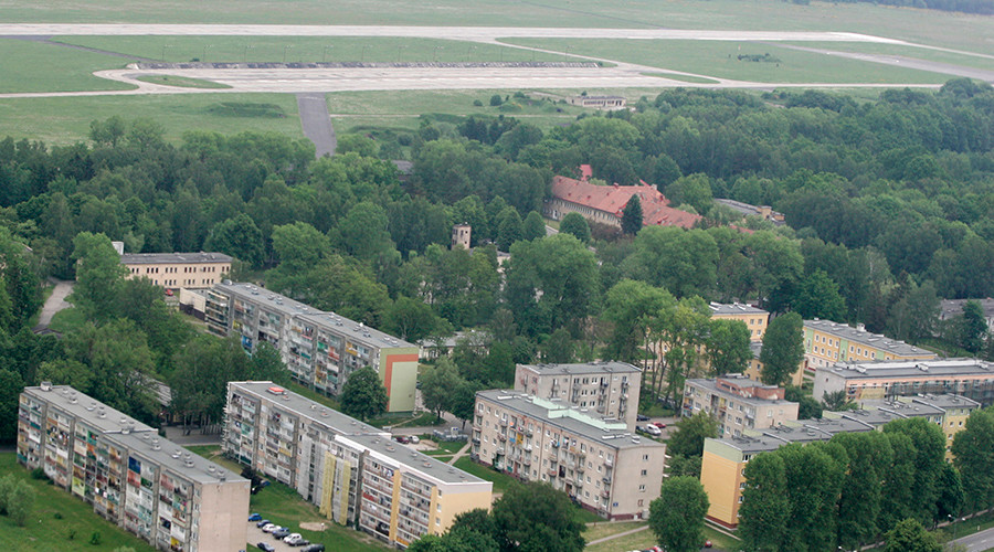 Aerial view of airfield and existing Polish military base with a housing estate in Redzikowo near Slupsk, northern Poland © Kacper Pempel