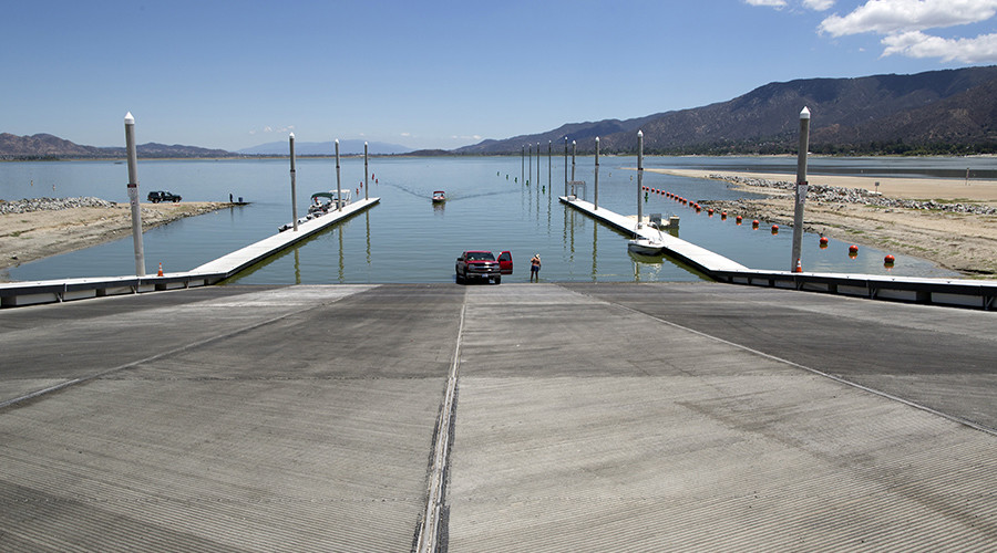 Thousands of fish dead as California reservoir disappears overnight