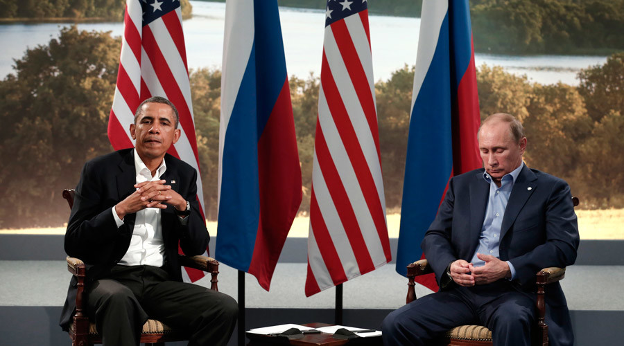 U.S. President Barack Obama (L) meets with Russian President Vladimir Putin © Kevin Lamarque