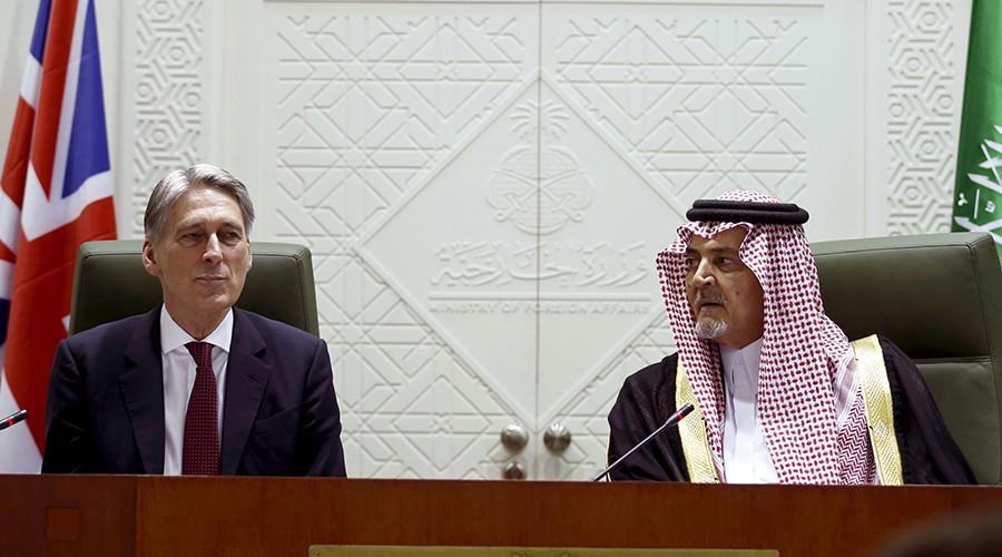 Saudi Foreign Minister, Prince Saud al-Faisal (R) and British Foreign Secretary Philip Hammond © Faisal Al Nasser