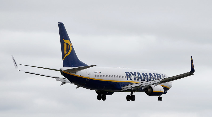 'RyanFair' hoax claims airline will carry refugees visa-free