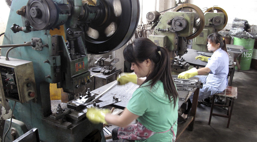 China's factory activity lowest since 2009