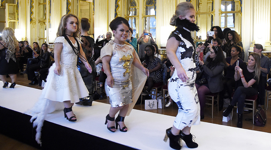 Shine on, sisters! Short-statured models take coveted Paris catwalk by storm (VIDEO)