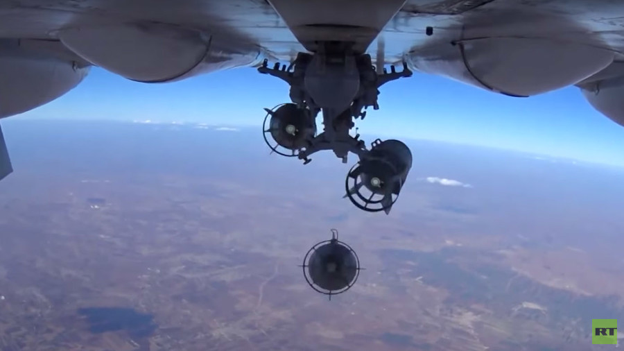 Sky-high videos of Russian Su-24Ms dropping bombs on ISIS in Syria
