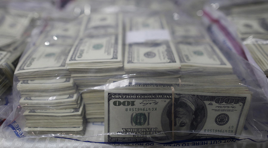 Top 500 US companies keep $2.1 trillion where tax collectors can't get it