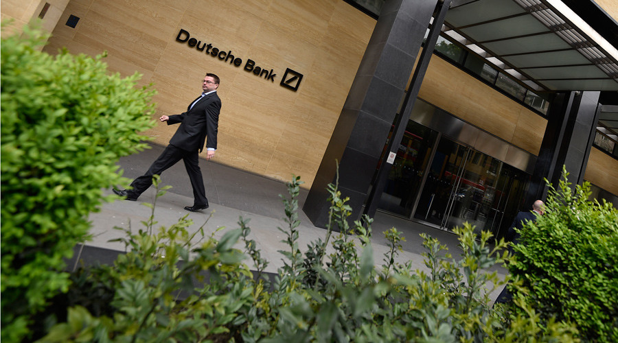 Deutsche Bank faces record €6bn quarterly loss