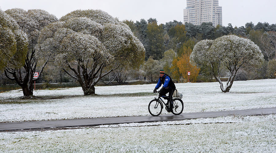 First snow blankets Moscow (PHOTO)