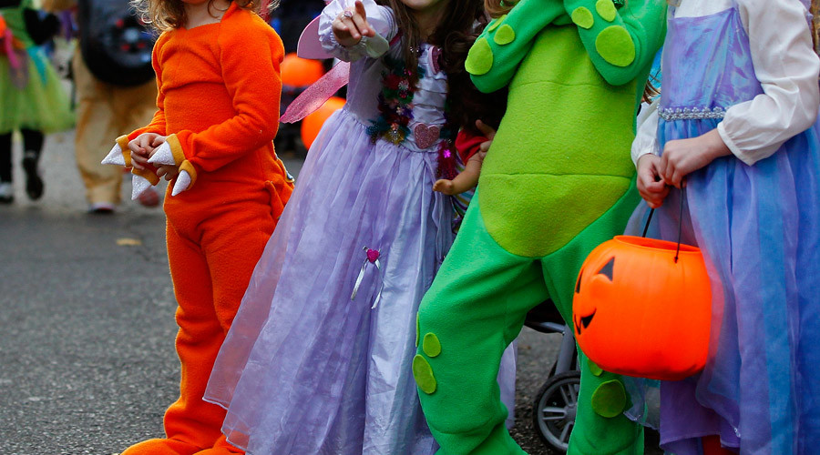 Scaremongering? Parents force school district to reverse ban on Halloween parade