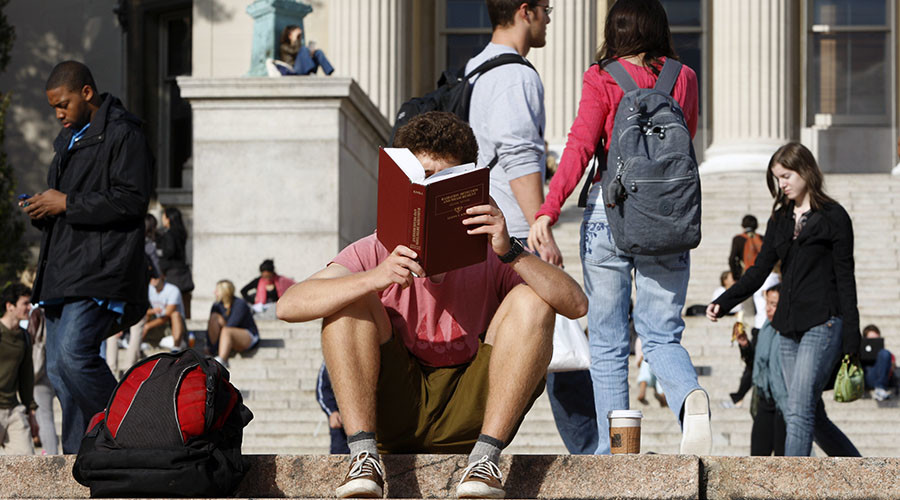 'Affordable College Textbook Act' proposed to reduce costs with open-license academic materials