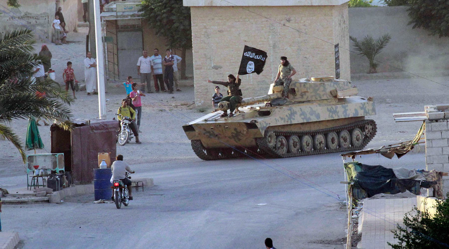 ISIS calls on 'Islamic youth' to ignite holy war against Russians & Americans