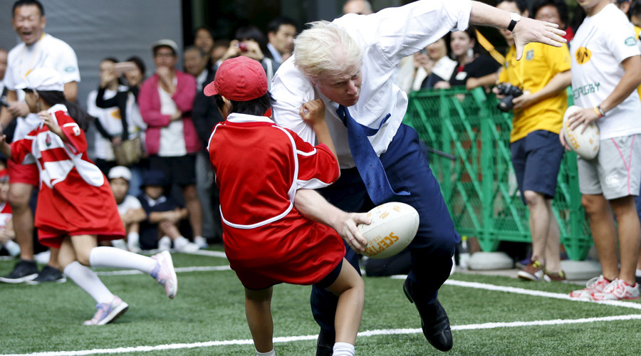 Boris Johnson floors Japanese schoolboy in rugby game (VIDEO)