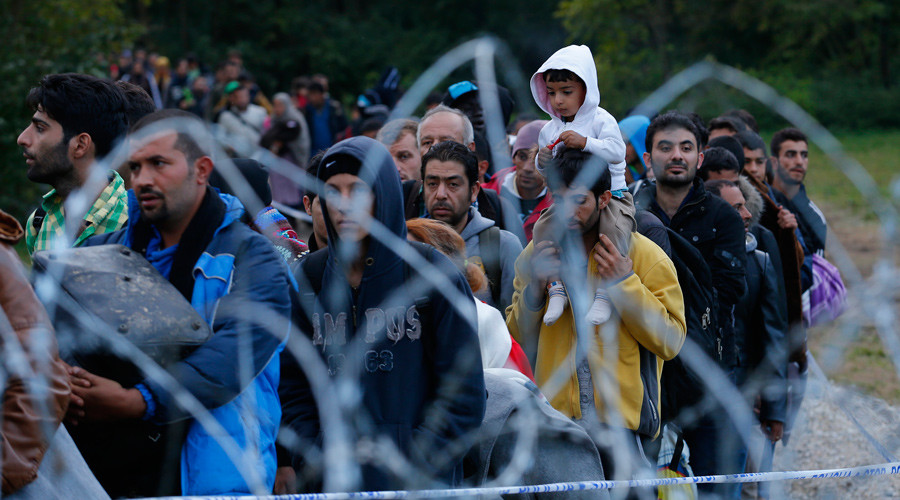 Hungary to close border with Croatia to stop refugee influx