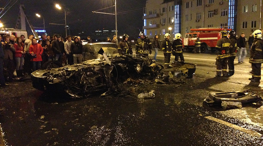 Teen 'diamond boy' crashes $240,000 Ferrari in downtown Moscow and flees (VIDEO)