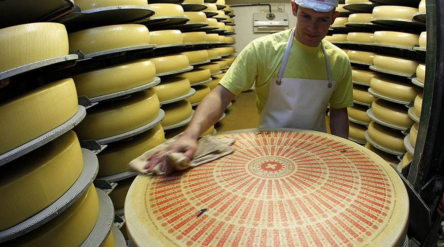 Russia allows imports of cheese from 8 Swiss companies