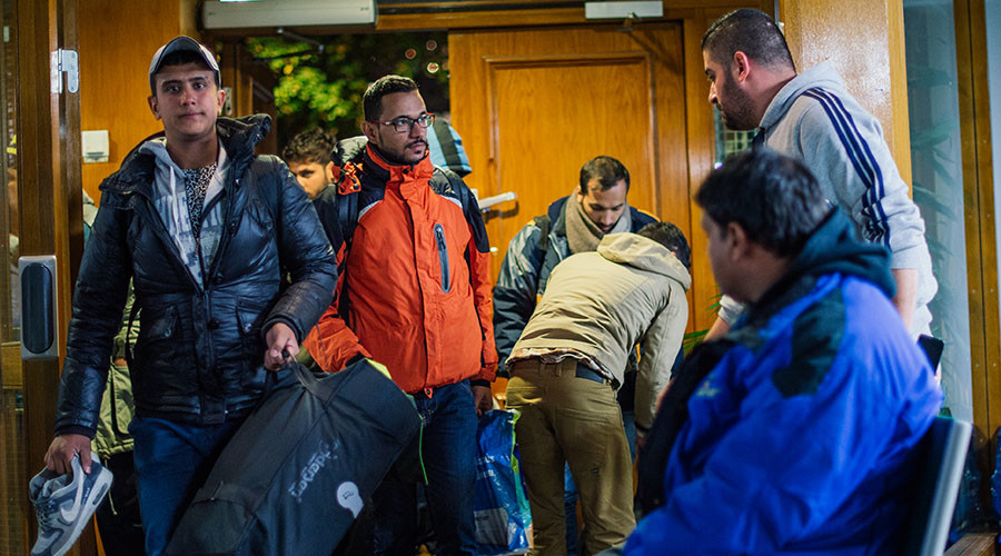 Refugee's arrive to Stockholm central mosque on October 15, 2015 after many hours bus journey from the southern city of Malmo. © Jonathan Nackstrand