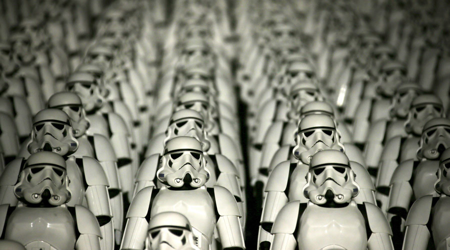 China Star Wars mania: Stormtroopers take the Great Wall during trailer debut (PHOTO)