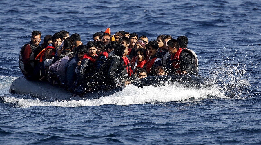 4 boatloads of refugees land at British military base in Cyprus used to bomb ISIS